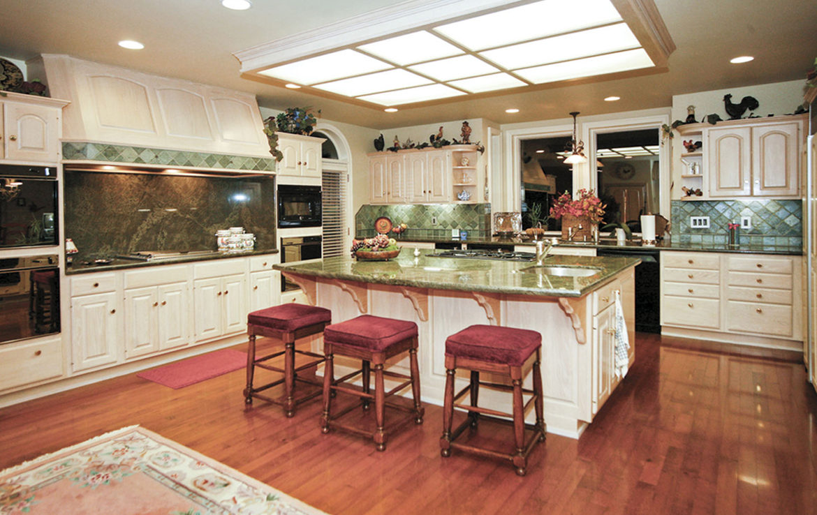 177-shorewood-kitchen-7