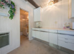 716-oak-point-guestapt-kitchen