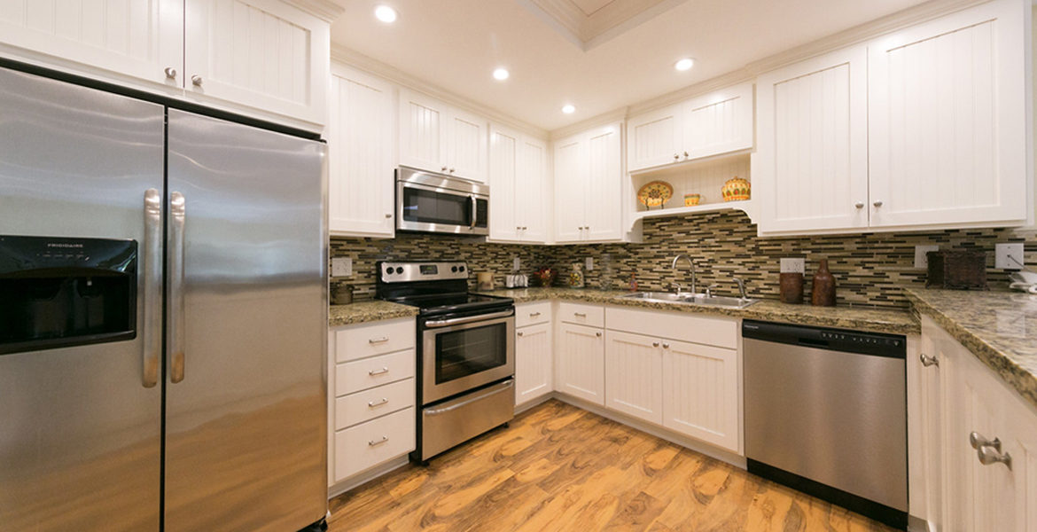 716-oak-point-guestwingkitchen