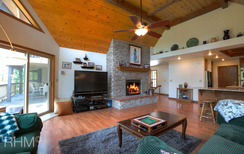 27418-north-bay-familyroom2