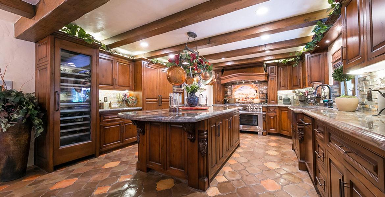 27818-peninsula-kitchen
