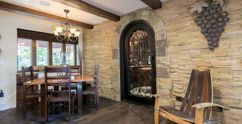 27818-peninsula-wineroomdoor