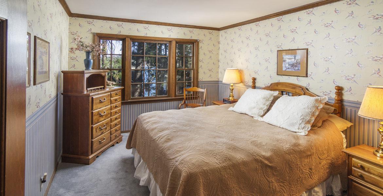 28045-peninsula-bed-4