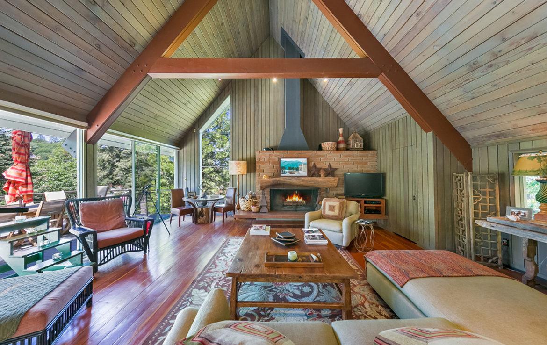 450-st-hwy-173-livingroom
