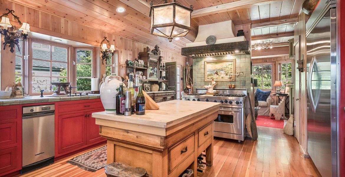 458-st-hwy-173-kitchen