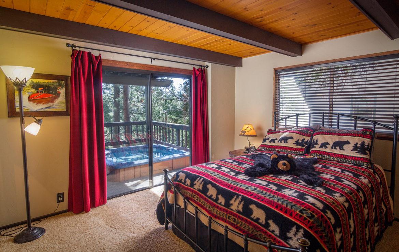 27382-north-bay-bedroom