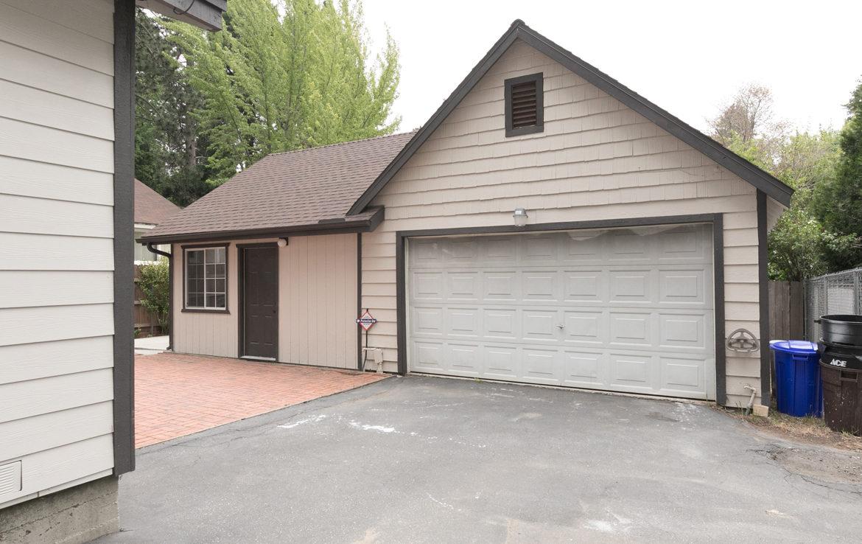 22989-pine-lane-exterior