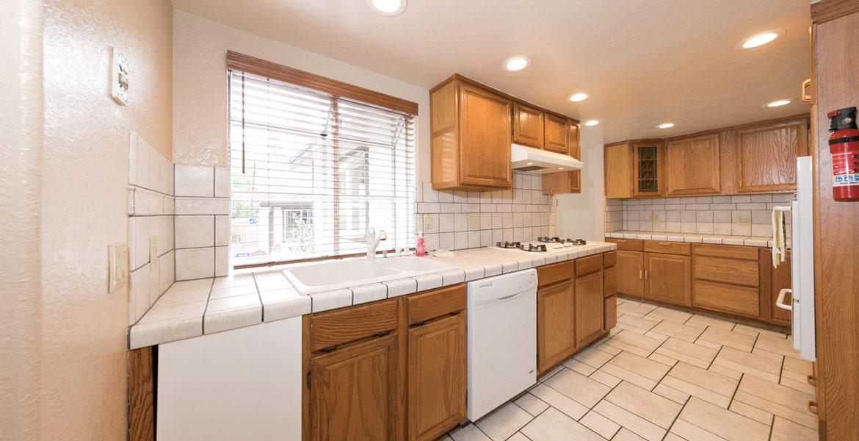 22989-pine-lane-kitchen