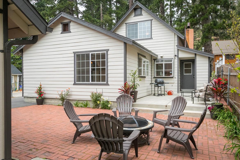 22989-pine-lane-patio