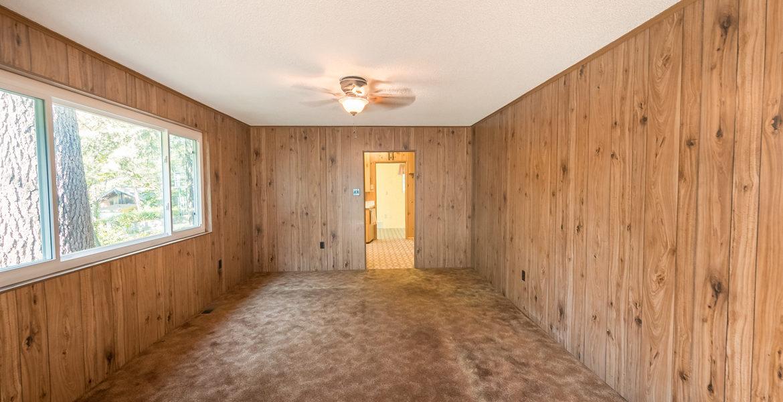 22945-redwood-way