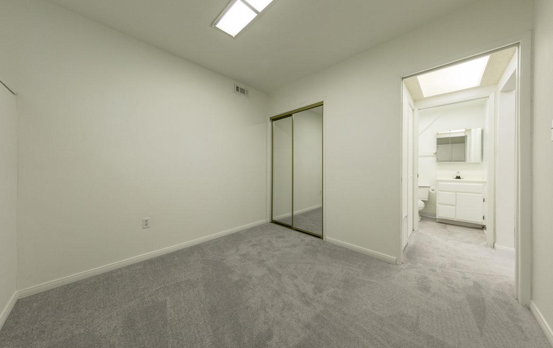 22945-redwood-way-bedroom