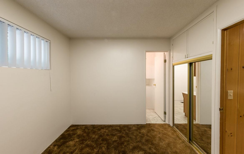 22945-redwood-way-bedroom2