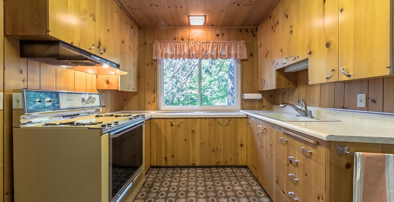 22945-redwood-way-kitchen
