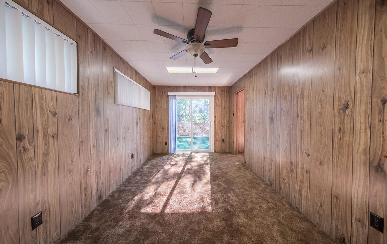 22945-redwood-way-room