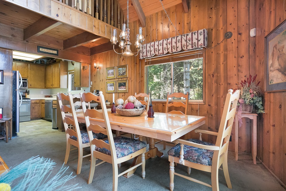 26540-spyglass-dining-room