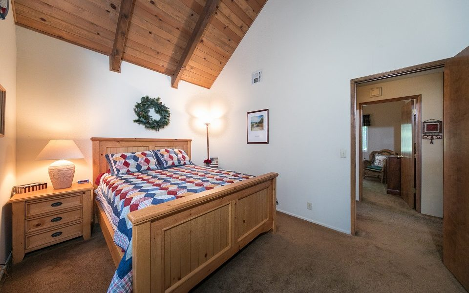 26540-spyglass-upstairs-se-bdrm