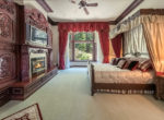 293-fairway-masterbedroom