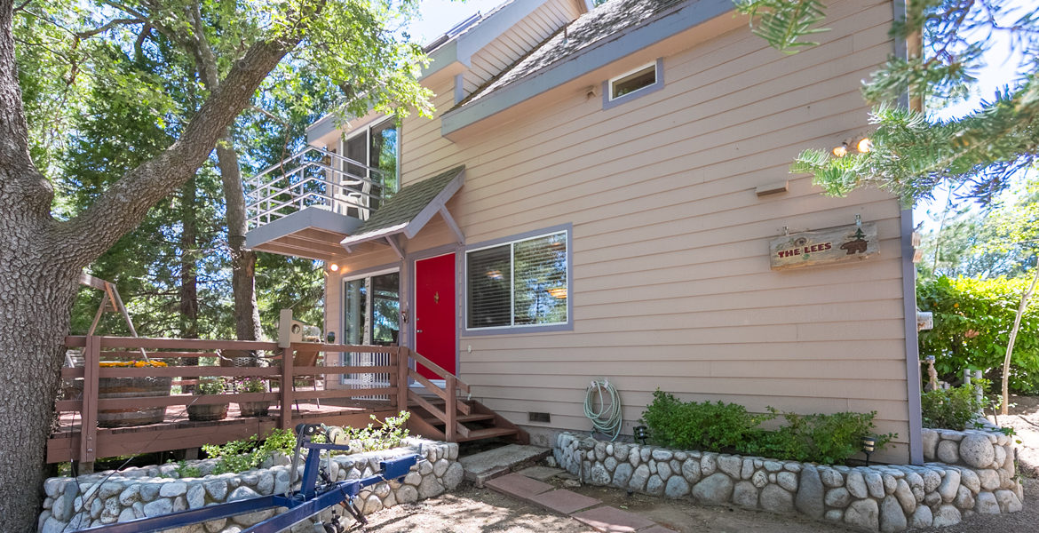 399-spruce-ext-front