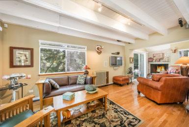 399-spruce-livingroom