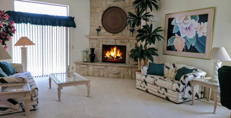 78865-auroraway-livingroom