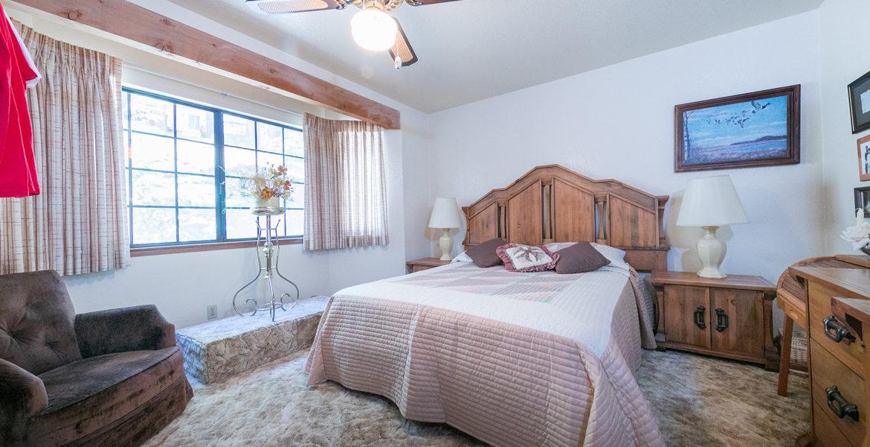 963-jungfrau-bedroom2