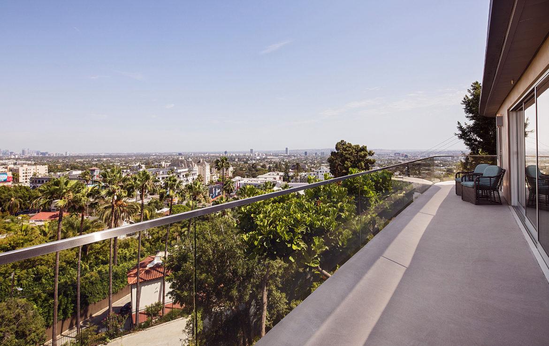8218-hollywood-deckview2