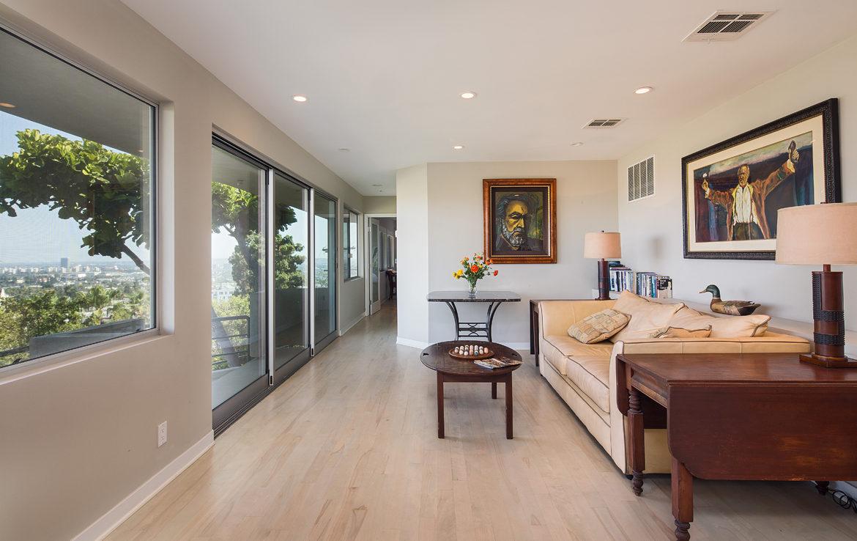 8218-hollywood-familyroom