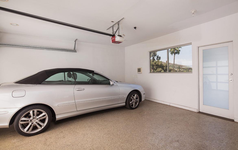 8218-hollywood-garage