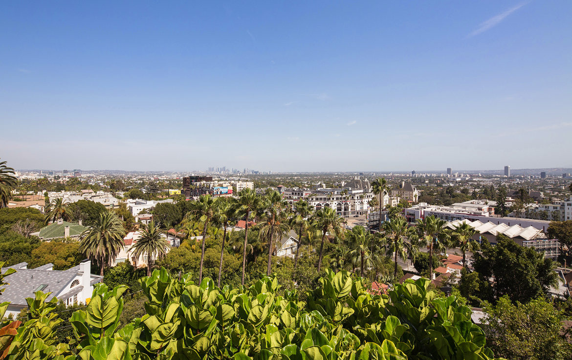 8218-hollywood-view3