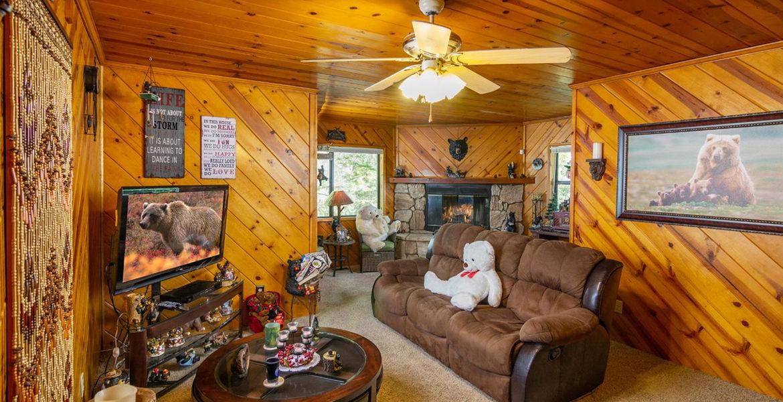 1003-toll-house-livingroom