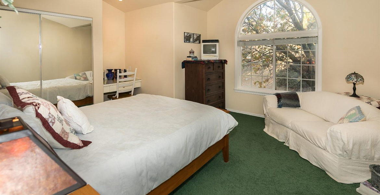 1384-yellowstone-bedroom2