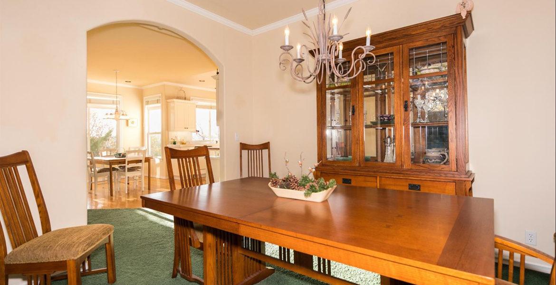 1384-yellowstone-dining