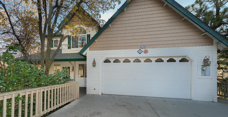 1384-yellowstone-exteriorfront