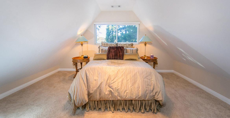 191-hwy-173-bedroom1