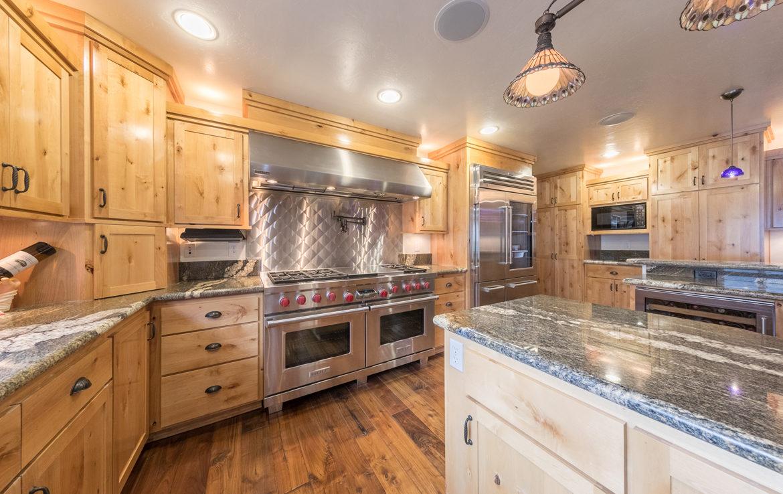 392-hartman-circle-kitchen