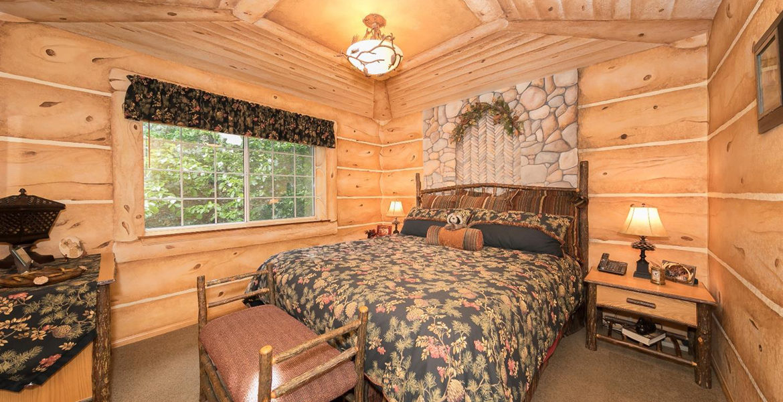701-cottage-grove-bedroom2