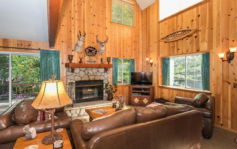 701-cottage-grove-livrm