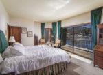 28025-peninsula-bed-1