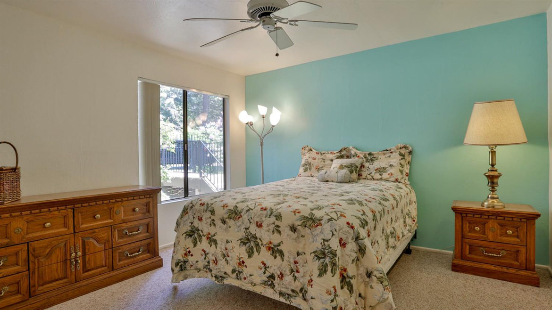 27821-peninsula-305-bedroom1