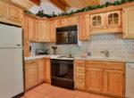 27821-peninsula-305-kitchen