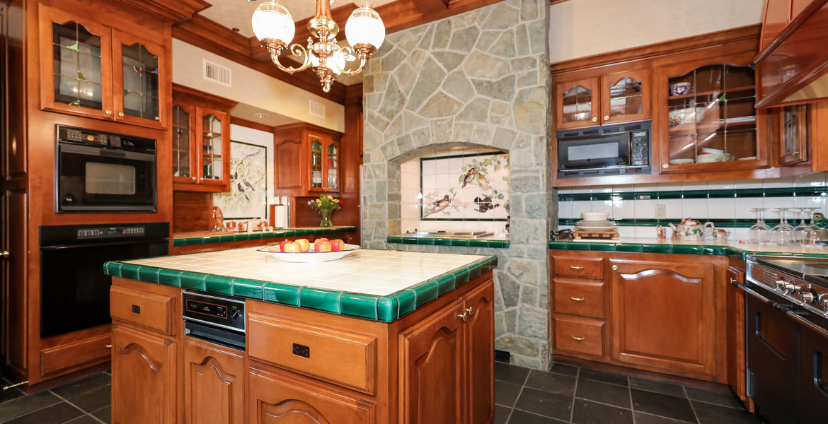 27417-n-bay-kitchen