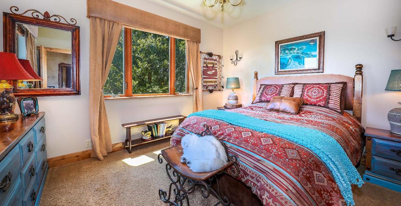 1011-black-oaks-bedroom4