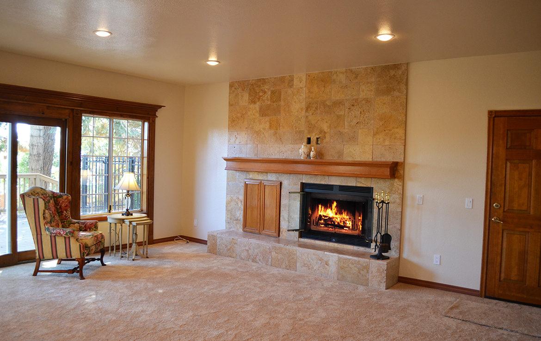 179-grandview-livingroom