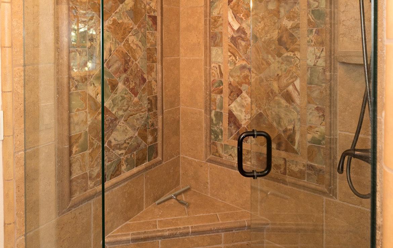 743-arth-dr-shower