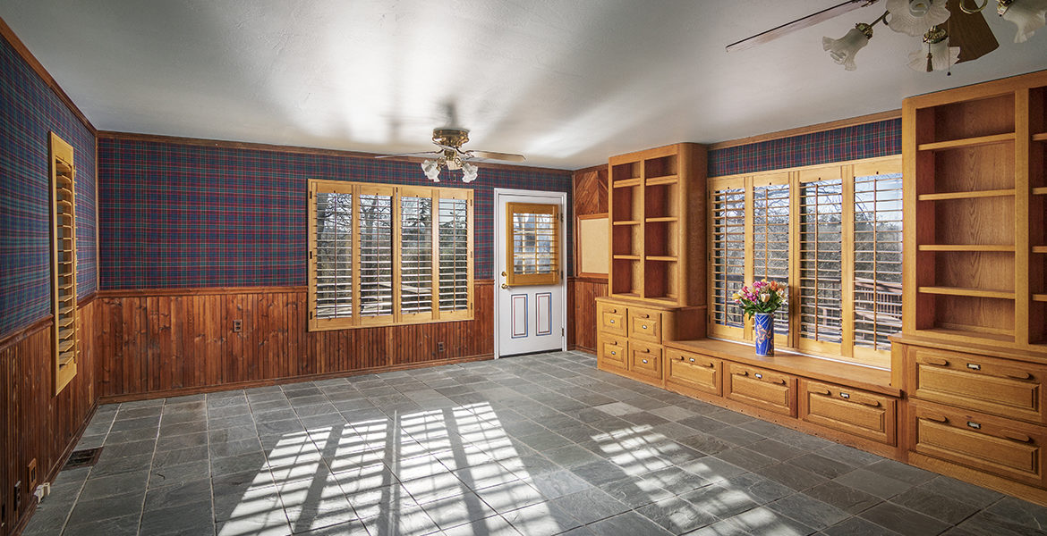 1621-lupin-guest-house-office
