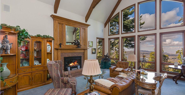 29082-bald-eagle-ridge-living-room