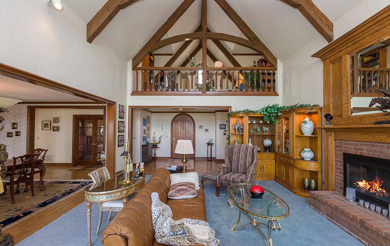 29082-bald-eagle-ridge-livingroom