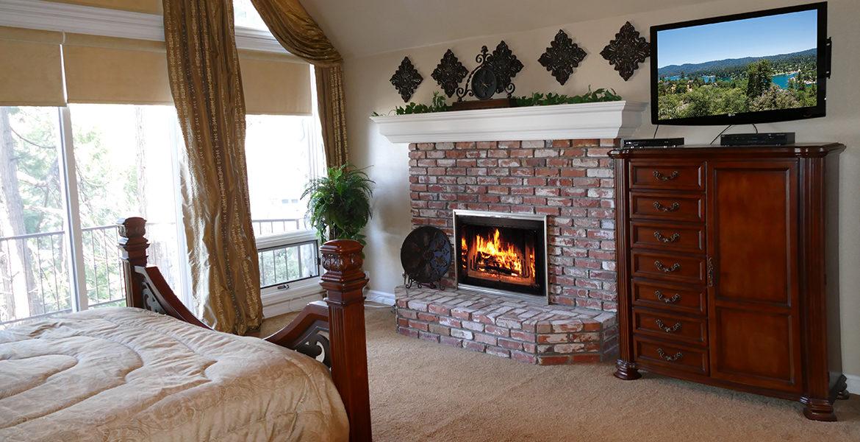 160-shorewood-masterbedroom