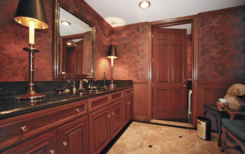 177-shorewood-powderroom-10
