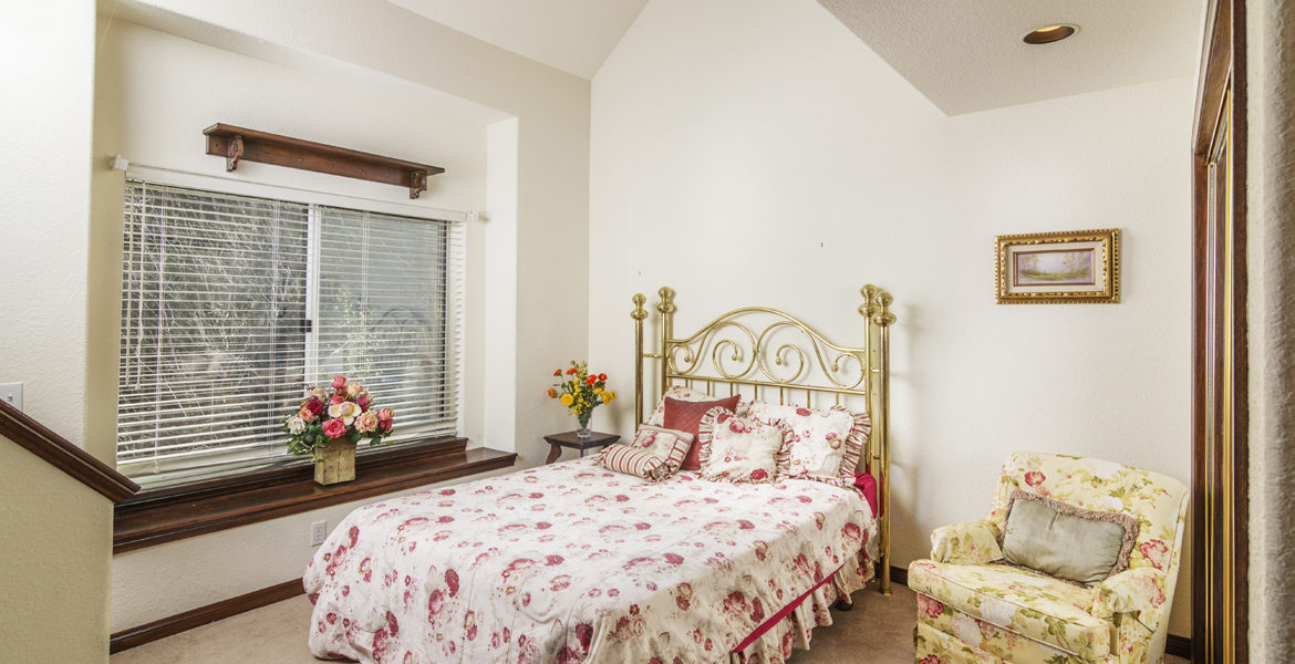 27603-meadowbay-bed-2